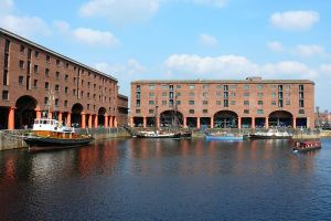 800px-Albert_Dock_Liverpool_wts